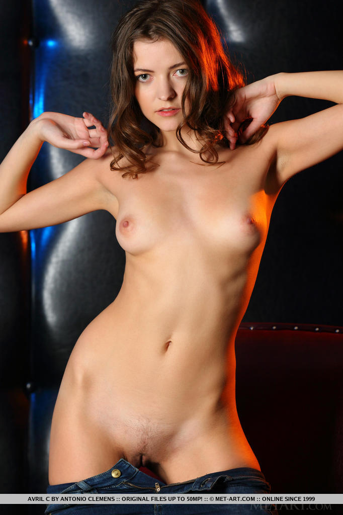 MetArt - Avril C BY Antonio Clemens - PRESENTING AVRIL big picture