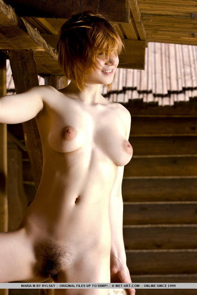 Vendedora muestra la tetas en tienda - 4 10