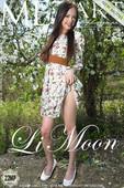 Li Moon Nude in Presenting Li Moon